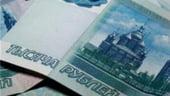 Rubla ruseasca se prabuseste, pretul petrolului o trage in jos