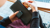 Peste jumatate dintre romani fac cumparaturi online in timpul orelor de program (studiu)