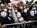 """Hackerii de la Anonymous ameninta ca vor declansa """"un razboi total"""" impotriva lui Donald Trump"""