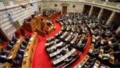 Guvernul grec prezinta masurile de austeritate. Protestele se intensifica