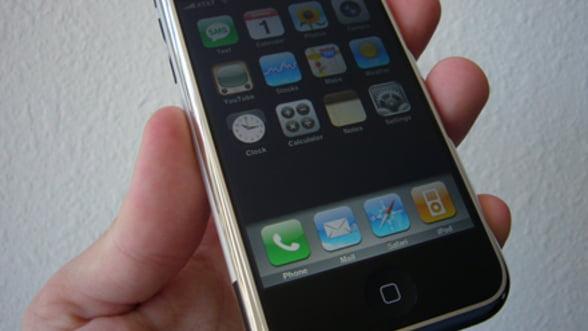 iPhone, cel mai folosit smartphone de serviciu