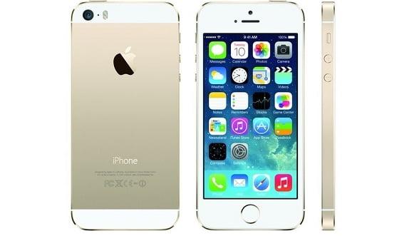 """iPhone 5S """"arma letala"""" Apple. iPhone 5C, un smartphone pe gustul tinerilor"""