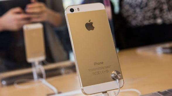 """iPhone Gold a declansat febra """"chinezeasca"""". Cat costa terminalul auriu pe piata neagra"""
