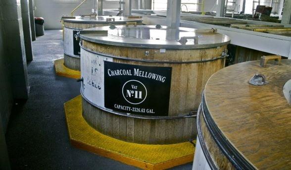 Jack Daniel''s: Cum pot fi imbuteliate anual                                                            119 milioane                                                            de sticle                                                            intr-o                                                            distilerie                                                            veche de                                                            aproape 150 de                                                            ani