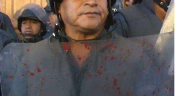 Zeci de protestatari si-au pierdut viata in urma ciocnirilor cu fortele de ordine